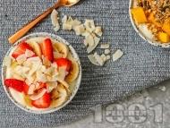 Протеинова закуска с кварк, манго, ягоди, банан и гранола